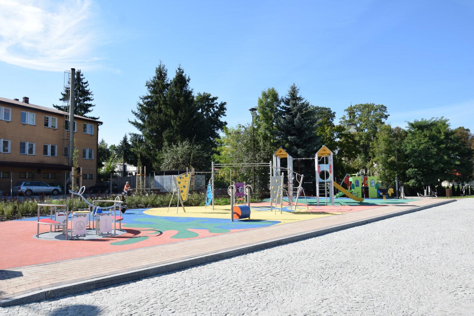 Rewitalizacja obszarów podworskich w m. Serniki Kolonia